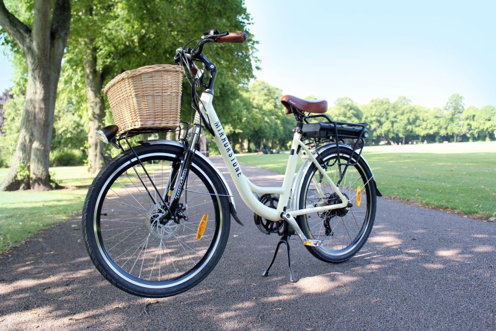 Mirrorstone e-bike in park